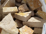 Big bag de pierre à bâtir clivée