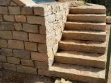 marche d'escalier naturelle